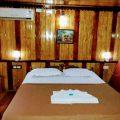 5 Bedroom Deluxe Houseboat
