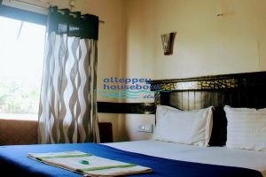1 bedroom premium boathouse