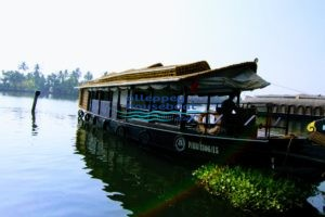 1 bedroom houseboat alleppey