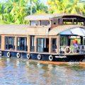 1 room premium houseboat