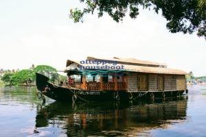 1 bedroom premium alleppey houseboat