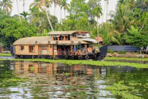 alleppey houseboat cruise itinerary
