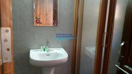 Houseboat 4 bedroom