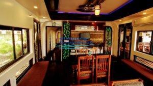 2 Bedroom Deluxe Houseboat (5)