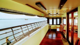 6 Bedroom Premium Houseboat