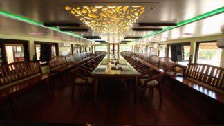 6 Bedroom Premium Houseboat with Upperdeck
