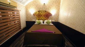 1 Bedroom houseboat with upperdeck