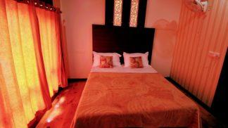 2 Bedroom deluxe Houseboat with Upperdeck