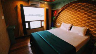 8 Bedroom Houseboat with Upperdeck