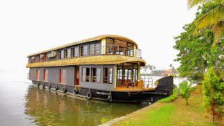 6 Bedroom Houseboat with Upperdeck