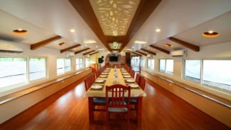 6 Bedroom Houseboat Kerala