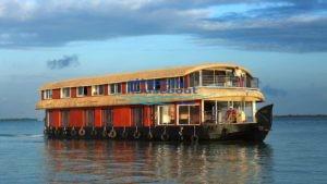 6 Bedroom Houseboat Kerala