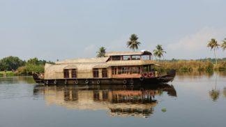 2 bed premium houseboat