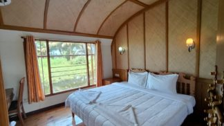 houseboat premium 2 bed room